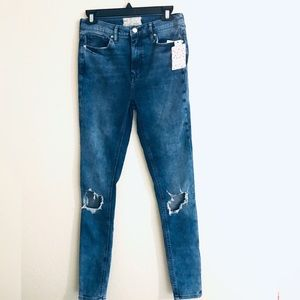 Free People High Waisted Skinny distressed Jeans
